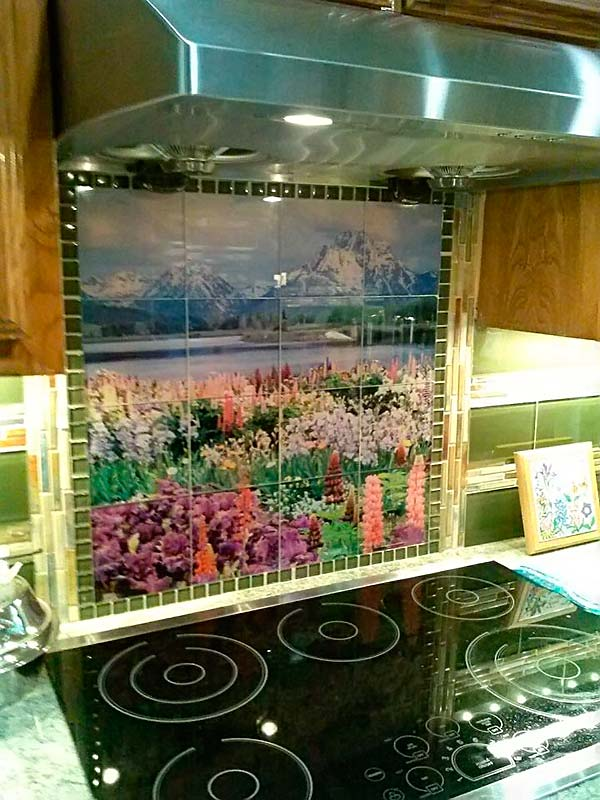Glass-Tile-Kitchen-Backsplash